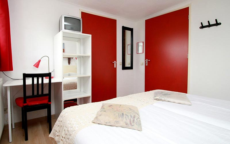 Rode kamer B&B Woldstee Groningen