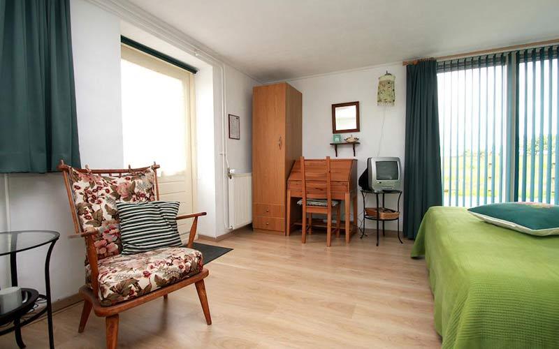 bed en breakfast Woldstee Groningen groene kamer