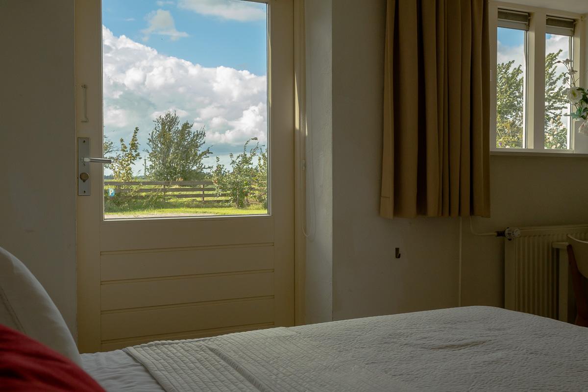 bed en breakfast Woldstee witte kamer, ontbijtzaal